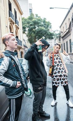 mis argentinos favoritos Trap, Freestyle Rap, Portrait Poses, Tumblr Boys, Shalwar Kameez, My Crush, Beautiful Boys, Reggae, Bad Boys