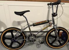 1984 Mongoose Californian - BMXmuseum.com Mongoose Bmx Bike, Mongoose Mountain Bike, Bmx Cruiser, Beach Cruiser Bikes, Diamondback Bmx, Bmx Wheels, Women's Cycling Jersey, Cycling Jerseys, Vintage Bmx Bikes