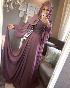 Likes, 18 Comments - ємяυℓℓαн ∞ є∂α (EmrullahEda Gökkaya). Hijab Evening Dress, Hijab Dress Party, Dress Prom, Dress Long, Hijabi Gowns, Indian Gowns Dresses, Abaya Fashion, Modest Fashion, Fashion Dresses