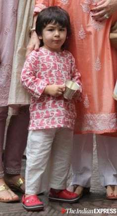 Taimur Ali Khan has started setting fashion goals already; check out these pics Baby Boy Ethnic Wear, Kids Ethnic Wear, Kids Dress Wear, Dresses Kids Girl, Boys Clothes Style, Baby Kids Clothes, Baby Boy Dress, Baby Boy Outfits, Kids Kurta Pajama
