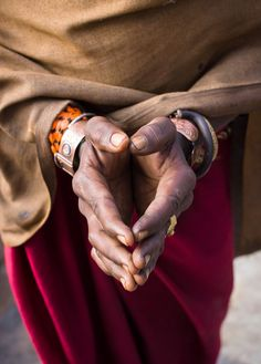 gillsant:  souls-of-my-shoes:  Pilgrim hands (Nepal) (by Guido Dingemans)