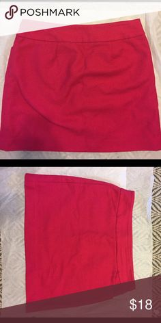 """Pink LOFT Skirt 17"""" long, good condition! Shell 100% cotton, side zipper LOFT Skirts Mini"""