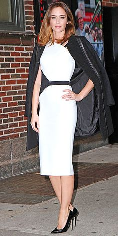Pairing two off-the-runway pieces to make one killer look, Emily expertly combines an edgy black-and-white asymmetrical David Koma dress with a prim Tory Burch coat at the Late Show with David Letterman in N.Y.C.