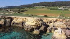 El Camí de Cavalls recorre toda la costa de Menorca*. #menorcanatural BALEARES. España Menorca, Balearic Islands, Natural, Costa, Jewel, Places To Visit, Live, Water, Outdoor