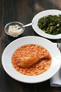 ''Hilopites me kotopoulo kai ntomata'': Greek Chicken with Hilopites & Tomato