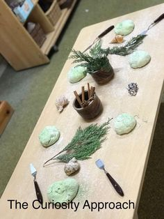 The Curiosity Approach Reggio Emilia Classroom, Reggio Inspired Classrooms, Curiosity Approach Eyfs, Eyfs Activities, Tuff Tray, Little Learners, Learning Through Play, Early Childhood Education, Early Education