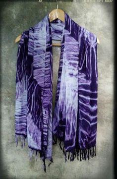 Scarf shibori.100% cotton by. saruda kantawong.(ศรุดา กันทะวงค์) ออกแบบลายผ้ามัดย้อม และสอนมัดย้อมสไตล์ชิโบริ โทร.092-3969644 FB. saruda katawong.