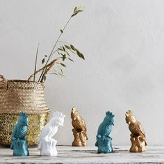 Kakadua-keramiikkakoriste 6,95 #piensisustus #keramiikka #hemtex Vase, Home Decor, Decoration Home, Room Decor, Flower Vases, Interior Design, Vases, Home Interiors, Flowers Vase