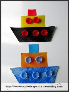 - voici nos bateaux réalisé ce matin par mon fils de 8 ans et théo 3 ans.... - nounou a découpé deux formes dans du carton d'emballage style pizza , le tout peint et collage de quelques bouchons de bouteille d'eau de couleur .... - celui de théo 3 ans......