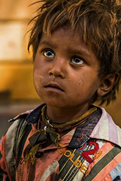 Poor boy in the Street of Jaisalmer. Rehahn_photography.