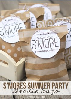 'Tis the season for outdoor living! Sweeten up your next camping trip by prepping & packing a few of these sweet S'mores Summer Party Goodie Bags. Party Bags, I Party, Party Time, Party Favors, Party Ideas, Gift Ideas, Party Stuff, Farm Party, Wedding Favors