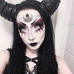 Sorceress                                                       …