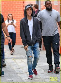 Célébrités Style: Justin Bieber en Fear of God & adidas Originals NMD Justin Bieber 2015, Justin Bieber Outfits, Justin Bieber Style, Estilo Selena Gomez, Outfits Hombre, Mens Fashion, Fashion Outfits, Favorite Person, Casual Fall
