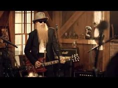 Live From Daryl's House - La Grange - Billy Gibbons of ZZ Top    Not my typical taste but damn they jam!