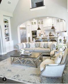 48 Adorable and Cozy Neutral Living Room Design Ideas. Adorable and cozy neutral living room design ideas If there are people who really care of their prestige impression for their living room that will be the public … Small Room Design, Family Room Design, Cozy Living Rooms, Living Room Decor, Kitchen Open To Living Room, Apartment Living, Neutral Living Rooms, Kitchen Dining, Classy Living Room