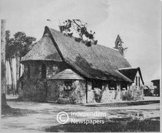 St. Thomas Church, Rondebosch, Cape Town (circa 1920) Most Beautiful Cities, St Thomas, African History, Cape Town, Live, Bridges, Old Photos, Gates, South Africa