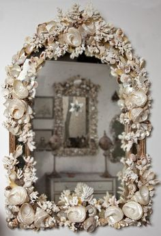 Coral and Shell Mirror ~ #shellart #mirrors #coastal 3beachcottage