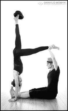 Tantra yoga for the new generation partner yoga meditation Couples Yoga Poses, Acro Yoga Poses, Yoga Poses For Two, Partner Yoga Poses, Yoga Moves, Yoga Poses For Beginners, Pranayama, Yoga Meditation, Yoga Inspiration