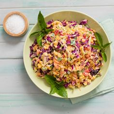 You can toss this crunchy and colourful braai (bbq) salad with creamy mayonnaise dressing together in no time - and it tastes as good as it looks. Coleslaw Salad, Creamy Coleslaw, Braai Recipes, Vegetarian Recipes, Dinner Recipes, Cooking Recipes, Mayonnaise, Braai Salads, Curry Pasta