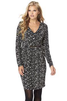 Džersejové šaty s dlhými rukávmi, výstrihom do V a záhybmi na hrudi aj na sukni. Zlatistá ozdoba v páse a vrecká na sukni. Dĺžka od pliec vo veľ. 36/38 cca 95 cm.