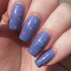 Here's a sneek peek of one of the polishes from my upcoming A Typical British Summer Collection. This on is called Socks, Sandals, Hankerchief Hat. It's a purple crelly with neon pink and yellow squares, mini turquoise stars and a sprinkle of purple iridescent glitter. This will be available in my Etsy shop on Friday 1st August. There's lots of other things available now in my Etsy shop Www.etsy.com/shop/frecklespolish #frecklespolish #nailartwow #nailsforyummies #nofilter #nailpolish…