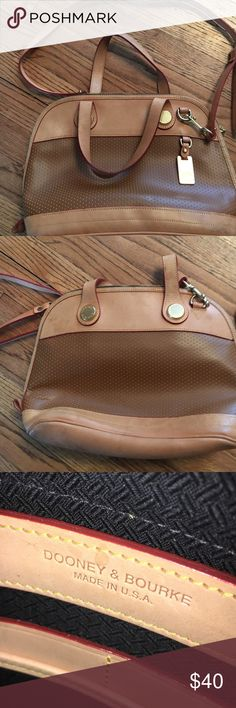 Dooney bourke hand bag purse great shape This is a leather purse in great condition Dooney & Bourke Bags Crossbody Bags