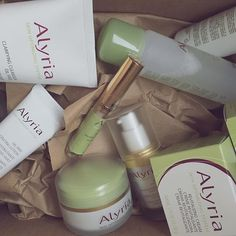 It's not too late to ask for beautiful skin for Christmas!  #Alyria #skincare #healthyskin #beauty #vsco #beautyinspo #mua #beautyblogger