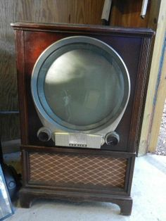 A Very Cool Vintage 1950s Zenith Porthole Television Set