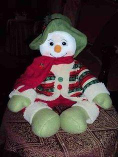 Molde: Papa noel y mono de nieve sentados | EcoArtesanias Elf On The Shelf, Christmas Ornaments, Holiday Decor, Home Decor, Outfits, Image, Ideas, Embellishments, Xmas