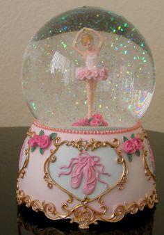 ballerina-slippers-music-box-water-globe-snow-pink