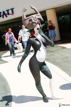 This is creepy and awesome at the same time ( Midna Cosplay from The Legend of Zelda: Twilight Princess)
