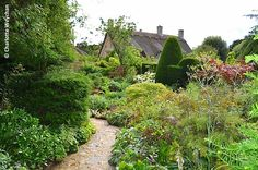 gardens at hidcote | First view of the cottage garden at Hidcote as you enter the property