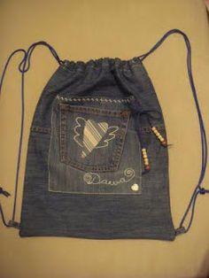 Sana Adicción: Muuuchas ideas para reciclar jean en bolsos Diy Old Jeans, Mochila Jeans, Cinch Bag, Diy Gifts For Kids, Denim Ideas, Sack Bag, Lee Jeans, Drawstring Pouch, Bag Patterns To Sew