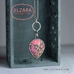 JILZARAH's Vintage Pink 2-Length Heart Pendant http://jilzarah.com/shop/collections/vintage-pink/2-length-heart-necklace/