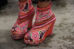 Repinned by Bella Frida-- Embroidered shoes-looks like Huichol or Mexican embroidery