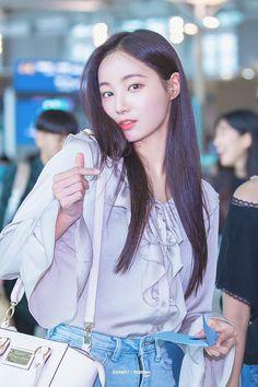 愼 ☼ ριητεrεsτ policies respected.( *`ω´) If you don't like what you see❤, please be kind and just move along. Kpop Girl Groups, Korean Girl Groups, Kpop Girls, Korean Celebrities, Beautiful Asian Women, Ulzzang Girl, Japanese Girl, K Idols, Beautiful Actresses