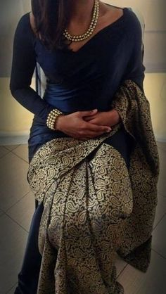 15 Most Flattering Designer Blouse Patterns for Sarees Looking for designer blouse patterns for sarees? Here are 15 most flattering models that will go well with any saree. Do try them and look chic. Saree Blouse Patterns, Designer Blouse Patterns, Saree Blouse Designs, Sari Blouse, Dress Patterns, Indian Dresses, Indian Outfits, Modern Saree, Look Short