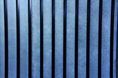 Fotografie van lijnen: verticale evenwijdige lijnen.