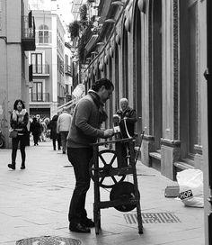 Oficios de siempre Cordonero  #oficio #igers #igerssevilla #igersspain #igersandalucia #instagramers #sevilla #sevillahoy #svq #ok_sevilla #estaes_sevilla #loves_sevilla #ig_sevilla #blackandwhite #blancoynegro #bnw #bnw_captures #bnw_life #streetphotography_bw