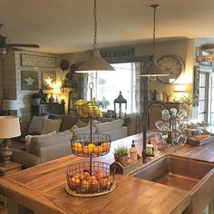 This is what my Saturday 👀 like! Modern Mobile Homes, Rustic Laundry Rooms, Farmhouse Style Decorating, Farmhouse Design, House Inside, Kitchen Styling, Country Kitchen, Home Decor Inspiration, Decoration