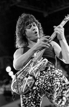 Eddie Van Halen, Hard Rock, Rock N Roll, Heavy Metal, Statue, Actors, Guitars, Instagram, Baby