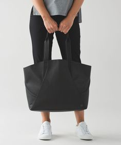 Lululemon All Day Tote - Black Lululemon Athletica e7261e6297f9d