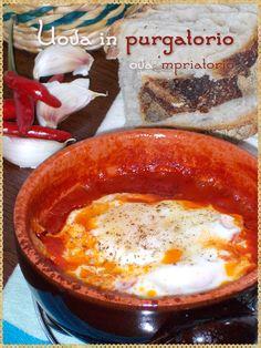 """Uova in purgatorio  ova 'mpriatorio (""""Eggs in purgatory"""" eggs and tomato)"""