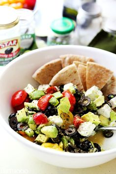 Olives-and-Avocado-Salad-with-Feta.jpg (640×960)