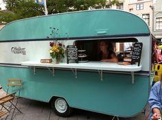 Afficher l'image d'origine Catering Trailer, Food Trailer, Catering Van, Wedding Catering, Retro Caravan, Caravan Ideas, Vintage Caravans, Vintage Travel Trailers, Vintage Campers