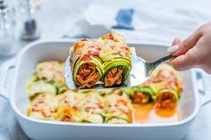 Zucchini Chicken Enchilada Roll-Ups Hey there friend! Here's some comfort food made gluten free, low carb, and pretty darn healthy (but crazy delicious! ) to add to your plans! Hope you enjoy this as much as we do! Makes about servings. Low Carb Recipes, Real Food Recipes, Chicken Recipes, Cooking Recipes, Healthy Recipes, Healthy Foods, Protein Foods, Healthy Dinners, High Protein