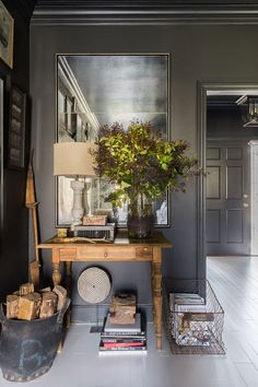 Tour A Modern Farmhouse In Memphis - Black And White Room Decor When it came time for interior designer Sean Anderson to tackle his own home, he took his signature color palette head on. Decoration Design, Decor Interior Design, Interior Decorating, Interior Office, Interior Paint, Luxury Interior, Room Interior, Modern Interior, Design Entrée