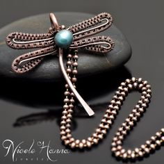 Dancing Dragonfly Pendant | JewelryLessons.com
