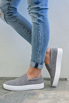 STEVE MADDEN Chris's Favorite Sneakers - Grey - Closet Candy Boutique Source by jesmcabee shoes casual Moda Sneakers, Sneakers Mode, Slip On Sneakers, Sneakers Fashion, Shoes Sneakers, Running Sneakers, Casual Sneakers Outfit, Sneakers Workout, Fashion Sandals