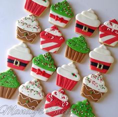 christmas cupcakes Easy and Fun Christmas Treats for Kids to Make - Sugar Cookies Christmas cupcake sugar cookies Christmas Sugar Cookies, Christmas Cupcakes, Christmas Sweets, Christmas Cooking, Holiday Cookies, Holiday Treats, Christmas Fun, Holiday Desserts, Decorated Christmas Cookies
